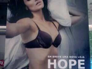 Tapume adesivado Com Lona Loja Hope no Shopping SP Market
