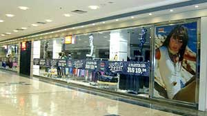 Shopping Butantã Vitrine Adesivada Fredy